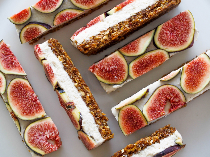 Edible gift ideas - Raw fig bars